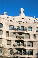 Facade of Milà House, aka 'La Pedrera' (Gaudí, 1906-1912). Barcelona. Spain