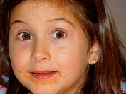10647666, expression, eat, food, inside, child, girls, mouth smeared, portrait, are astonished,