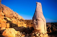 Colossal heads at the Hierothesion, remains in Nemrut Dag (Mount Nemrut, 2150m) part of the former Commagene kingdom. Anatolia. Turkey