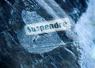 'Suspend' typography in French, overlaying white, painterly heart shape, montage