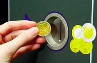 Machine accepting euro coins