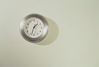 Clock on a wall (thumbnail)