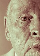 Black and white image of elderly caucasian/european man (thumbnail)