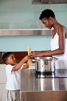 Mother and son in kitchen (thumbnail)