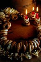 SG W, Weihnachten, Brennende Kerzen, Kerzen und Gebäck,   kerze