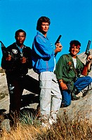 Film, ´Wings of Freedom´ (W.B., Blue and the Bean), USA 1989, Reige Max J. Kleven, Szene mit David Hasselhoff & NIPs,  Waffen Pistolen Baseballjacke, ...