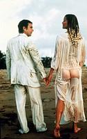 Film ´Zehn - Die Traumfrau´ (Ten), USA 1979, Regie: Blake Edwards, Szene mit Dudley Moore und Bo Derek  paar, liebespaar von hinten, frau mit nassem k...
