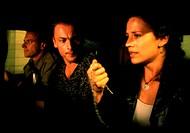 Film, ´Cascadeur - Die Jagd nach dem Bernsteinzimmer´, BRD 1998, Regie: Hardy Martins, Szene mit: Regula Grauwiller, Hardy Martins & NIP, in auto sitz...