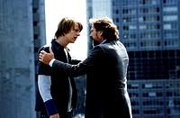 Film, ´Viktor Vogel - Commercial Man´, BRD 2001, Regie Lars Kraume, Szene mit Alexander Scheer & Götz George,  komödie, profil halbfigur gespräch unte...