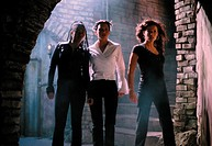 Film, ´Scary Movie 2´, USA 2001, Regie Keenen Ivory Wayans, Szene mit Regina Hall, Anna Faris & Kathleen Robertson,  komödie, ganzfigur, junge hübsche...