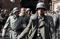 Film, ´Der Untergang - Hitler und das Ende des 3. Reichs´, BRD 2004, Regie Oliver Hirschbiegel,  Szene mit Christian Berkel (Professor Schenck),  Alex...
