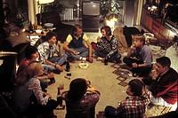 Film ´ Das Jahr der ersten Küsse´,  BRD 2002, Regie Kai Wessel,  Szene mit NIPs  teenies teenager jugendliche im kreis sitzen sitzend party privat pri...