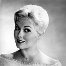 Novak, Kim  * 13.2.1933, US Schauspielerin Aufnahme zum Film: ´Pal Joey´, 50er Jahre,   portrait, halskette mit herzanhänger, anhänger herz, blond, lä...