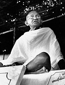Gandhi at the Constructive Workers´ Conference at Chennai (Madras). Tamil Nadu. India. January, 1946