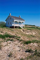 Beach house on sand dune at Captain Charlie´s Station, Bald Head Island, NC, USA