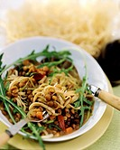 Narrow ribbon noodles with balsamic lentils & rocket (3)