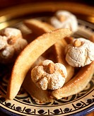 North African pastries: gazelle´s horns and riba