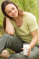 WOMAN, DAIRY PRODUCT<BR>Model.