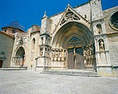 Puerta de los Apostoles. Facade of Gothic church of Santa Mar&#237;a la Mayor (13th-14th century). Morella. Castell&#243;n province, Spain