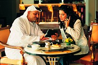 Arab businesspeople in a meeting (thumbnail)
