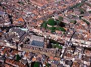 Leiden, Burcht und Rathaus (Luftbild)