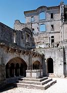 Montmajour bei Arles, Abtei/ Kreuzgang und Barock-Ruine