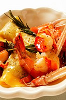 Ravioli with scampi and rosemary (close-up)