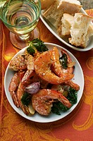 Barbecued shrimps, white bread, white wine