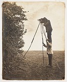 Richard and Cherry Kearton taking a photograph of a bird´s nest, 1900.Photograph by Richard and Cherry Kearton (1862-1928).