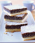 Poppy seed cake with icing sugar