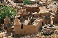 Mali, Dogon Country, Bandiagara Cliffs listed as World Heritage by UNESCO, Ireli, Family Concession