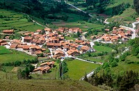 Carmona panoramic view. Cantabria. May 2005
