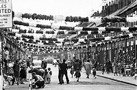 The 1966 World Cup football championship was held in England. England beat Germany 4-2 in the final. In Claudia Street, near Goodison Park ground wher...