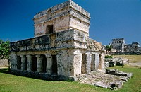 Temple of Frescoes. Tulum  (built between 1200 and 1524). Yucatan. Mexico