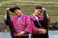 China, Longshen, Long Hair Yao Women