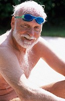 senior man in swiming googles