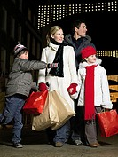 Family out christmas shopping (thumbnail)