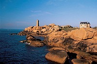 France, Brittany, Ploumanach, pink granite coast