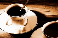 Cups of coffee and sugar cubes (thumbnail)