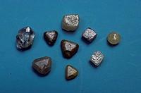 Uncut-Diamonds-South-Africa