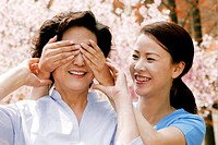 Woman closing her mother´s eyes.