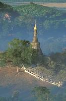 Mrauk-U-archaeological-site-at-sunrise,-Rakhine-State-(Arakan)-Burma-(Myanmar)Asia