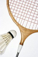 Badminton racket and shuttlecock (thumbnail)