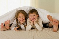 Kids in parents´ bed