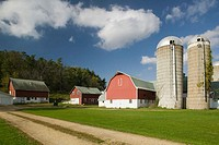 Farm. Barn. Lund. Mississippi River Valley. Wisconsin. USA