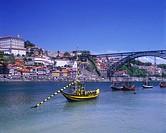 Rabelo & Cais da Ribeira, Rio Douro, Oporto, Portugal.
