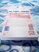 Ten and twenty euro notes (thumbnail)