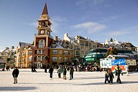 Canada, Quebec, Laurentian Mountains, Mont Tremblant, Place of the Voyageurs, Pedestrians, winters, North America, Canada, Laurentian Highlands, Laure...