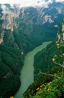 Cañón del Sumidero. Grijalva river opened it. National Park with seasonal falls, archaeological sites, caves, vegetation and wildlife. There was a big...