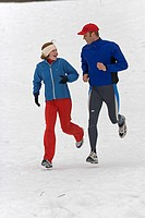 Jogs father, daughter, happy,  Gaze contact, winters,  Man, 30-40 years, child, girls, 12 years, joggers, athletes, athletically, Jogging run sport ru...